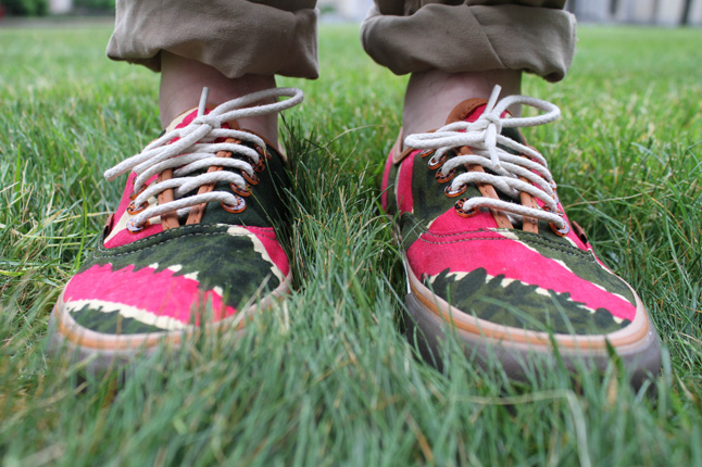 5783c59046 bodega-vansvault-coming-to-america-green-fuschia-onfoot-