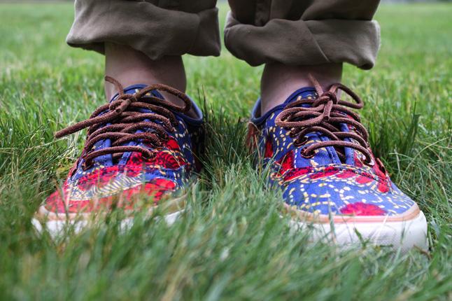 3fe50da2a2 bodega-vansvault-coming-to-america-red-blue-onfoot-