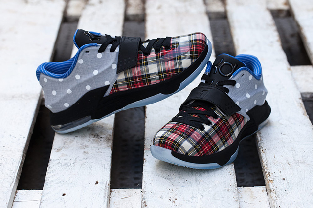 153a8178dd63 NIKE KD7 EXT (PLAID AND POLKA DOTS) – Sneaker Freaker.